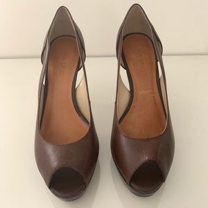 f0592fdde28d ... 9.5US Via Uno - Semi Open Brown Heels Size 9US Nine West Leather ...